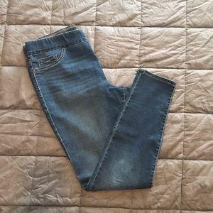Nine West Medium Wash Pull On Skinny Jeans